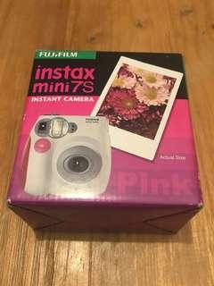 BNIB Fujiflim Instant Camera Instax Mini (Pink)