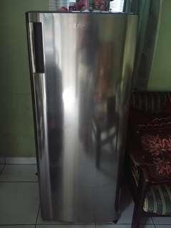 Kulkas freezer Asi LG