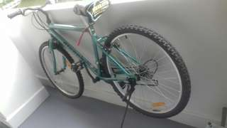 Selling a bicycle, near queenstown area. Contact me on 92386455