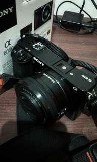 Kamera Mirrorless  Sony a6000  lensa E PZ 16-50mm F3.5-5.6 OSS