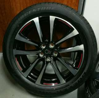 "19"" original Toyota Harrier GS rim with tyres"