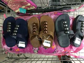Fashionable slippers for kids