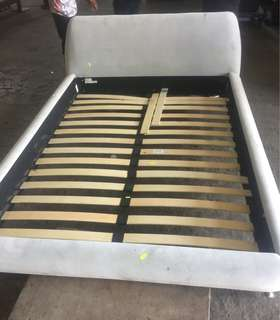 Bed frame queen size japan