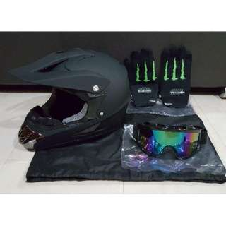 Plain Black Matte Full Face Helmet - Size L / XL