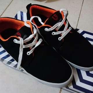 Sepatu garucci