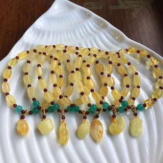 2⃣️ 天然蜜蜡随形手链 搭配天然蜜蜡吊坠