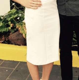*PRICE DROP* Cue white midi skirt