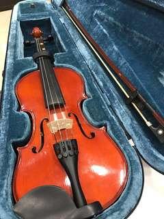 Violin 1/2 size.