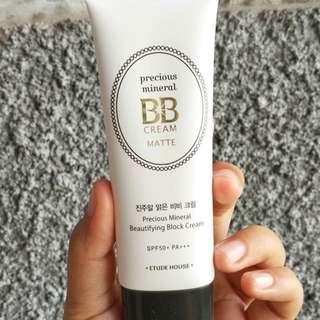 Precious Mineral BB Cream Beautifying Block Matte SPF 50 PA++