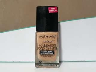 Wet n Wild Classic Beige foundation