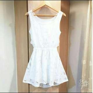 韓 麻紗鏤空花朵露腰綁帶洋裝