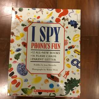 I spy phonics and flash card box - set of 12
