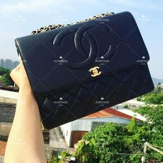 (SOLD)Chanel Vintage 黑色羊皮雙Logo Maxi Jumbo
