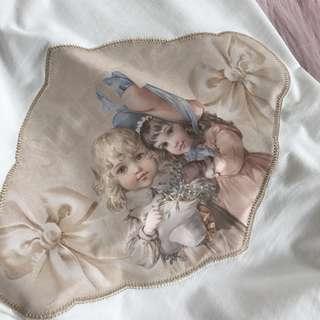 【現貨】娃娃貼布短袖上衣 竹節棉 短袖T恤 寬鬆 短T 白T 百搭
