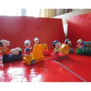 Snoppy 2 x McDonald's 玩具6隻