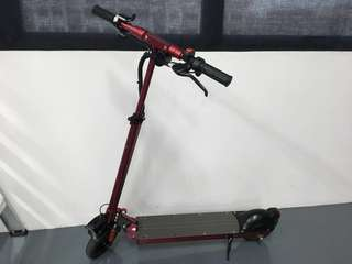 Electric Scooter Specs Maroon 36v,12Ah -25 to 35 km/350 to 500w(yet to confirmed)LTA Complaint.