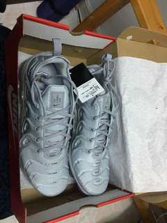 全新Nike Air Vapormax Plus Grey size 12