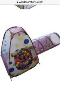 ball pit with tunnel and 200 balls