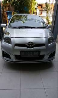 Toyota Yaris Silver Tahun 2012.