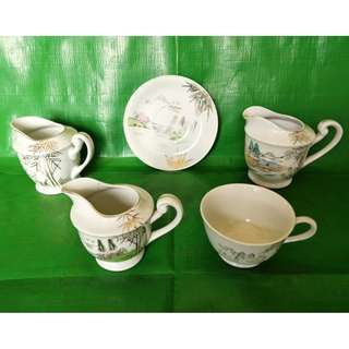 A group of milk cups and teacup 5 pieces