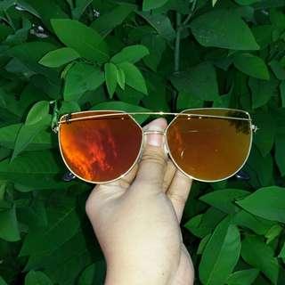 Sunnies sunglasses GOLD