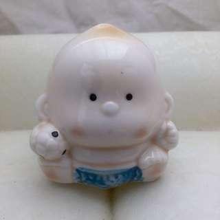 Pajangan keramik - anak bayi
