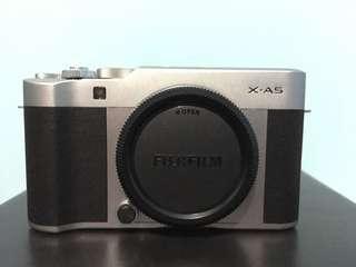 Fujifilm XA-5 BO tanpa Lensa