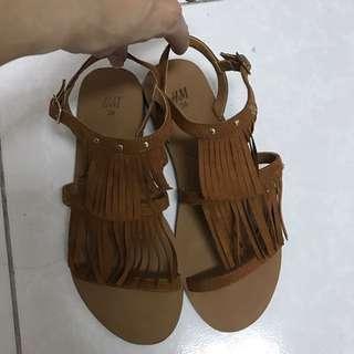 🚚 HM鞋