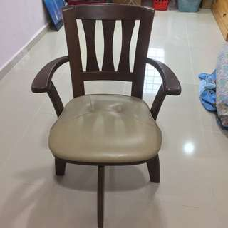 Swivel Solid wood chair