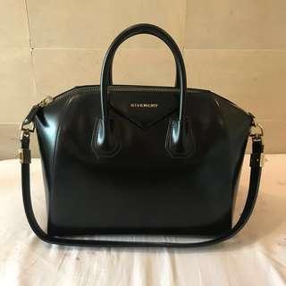 Givenchy Antigona Medium Smooth Leather Black in Gold Hardware