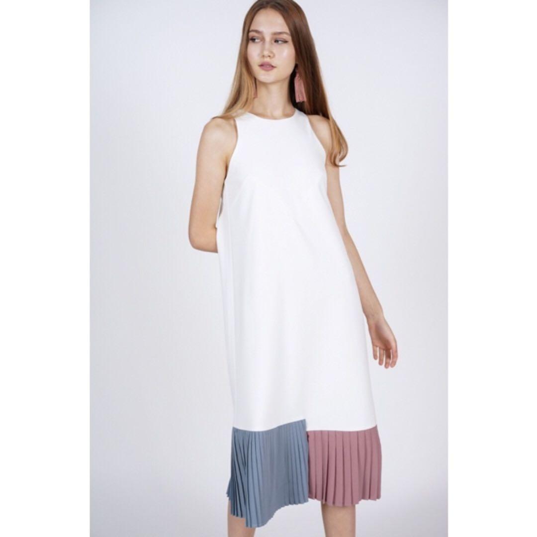 b2f5993d BNWT MDS Contrast Pleated Dress in Ivory (XS), Women's Fashion ...