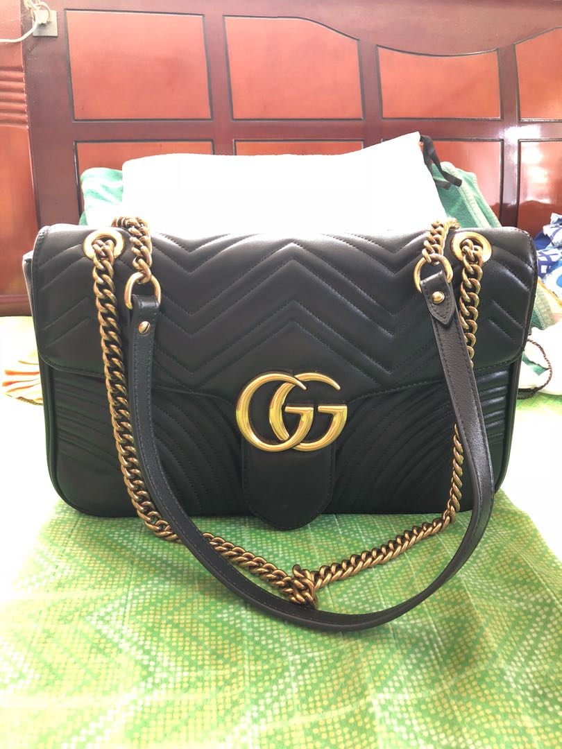 a97eee0a2 Gucci marmont medium shoulder bag black on Carousell