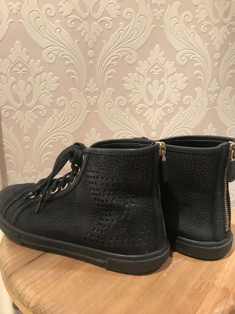 Louis Vuitton Size 36 Sneakers