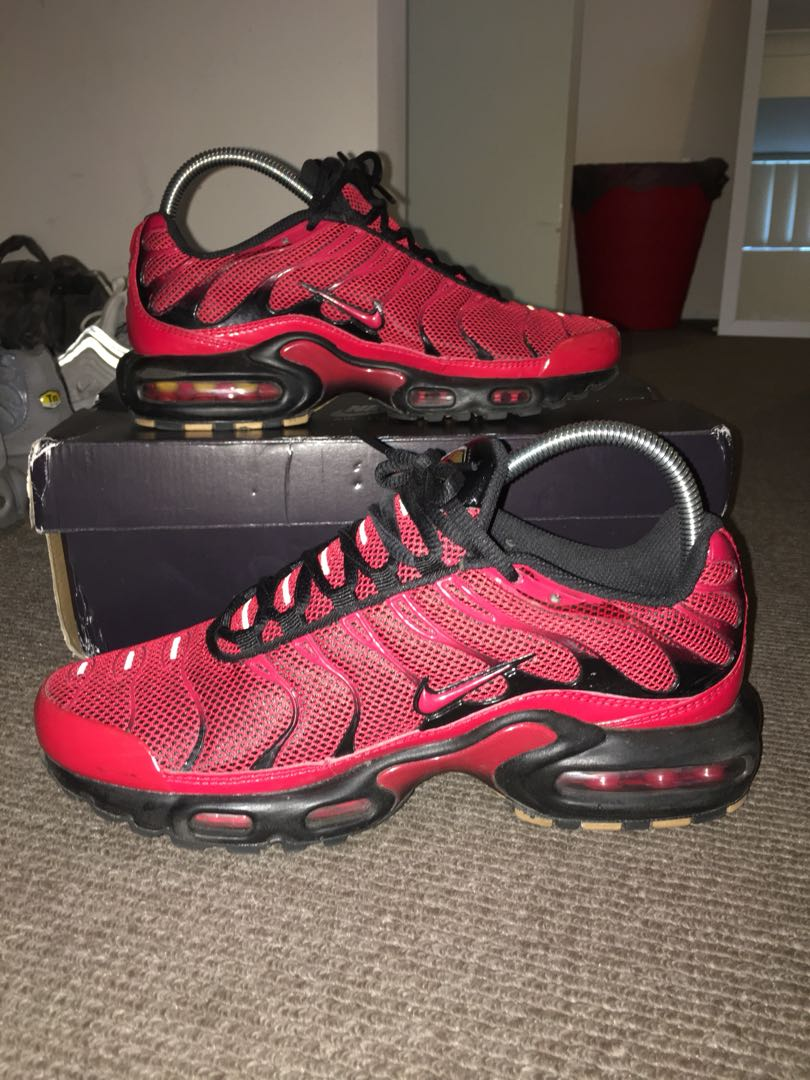 new product 6fd72 5efef Nike Tn - Loves, Women's Fashion, Shoes on Carousell