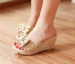 Wedges Brokat Pita - Sepatu Wedges Brukat Cream - Wedges Glitter Creamy - Wedges Heels Gliter - Sepatu Pesta Wanita Murah - Sepatu Kerja Resmi