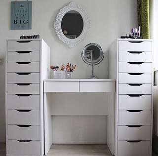 Vanity station (vanity table, drawers and mirror)