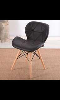 Simple Leisure Design Chair (Black)