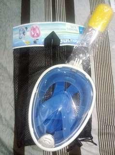 🚚 出售藍色浮潛面鏡