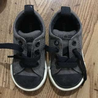 PRE-LOVED CONVERSE KIDS SHOES (AUTHENTIC!)