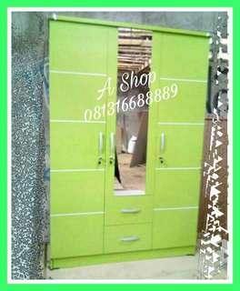 Lemari pakaian murah minimalis hijau. Model simple + cermin.