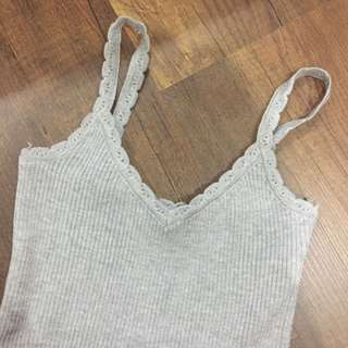Cute detail grey knitted top