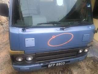 Nissan Lori