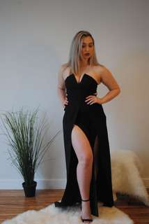 Black strapless v neck jumpsuit with leg slits - size small / FULL OUTFIT - $140