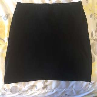 Simple Black Mini-Skirt