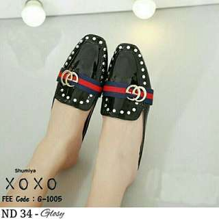 Sepatu Wanita warna hitam