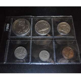 2x 1969 Singapore circulated Coin Set