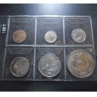 2x 1967 Singapore circulated Coin Set