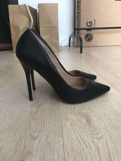 Madden Girl Faux Leather Pumps size 6