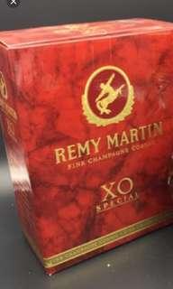 陳年舊版人頭馬细禾花xo700mI酒盒一個
