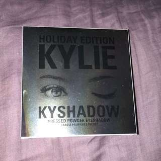 Kylie cosmetics holiday edition eyeshadow palette